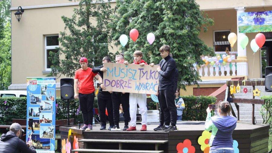 Festyn integracyjny i święto patrona w Specjalnym Ośrodku Szkolno-Wychowawczym w Konarzewie w 2019 r. - fot. SOSW Konarzew